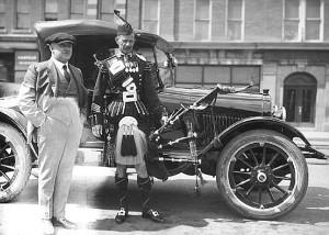 pm alex ross scots guards with mr maclean edmonton 1922 copy